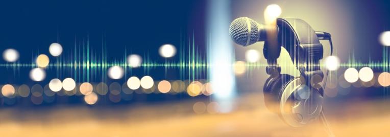 web banner mic shutterstock_664134517.jpg